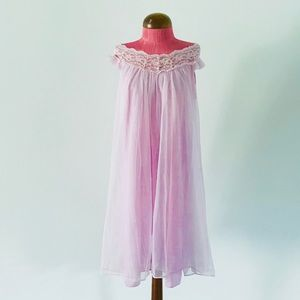 Pink or lavender vintage babydoll nightgown EUC🎀